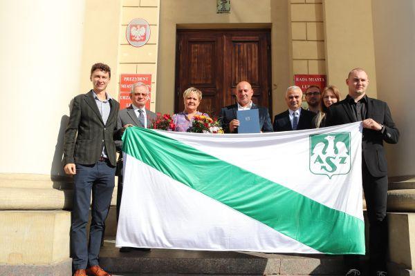 Paulina Guba i prof. Zdzisław Targoński wyróżnieni podczas sesji Rady Miasta