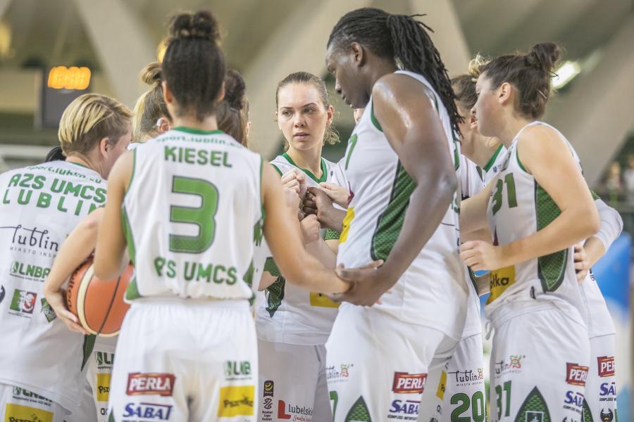 Koszykarki z Lublina wracają na zwycięskie tory w wielkim stylu