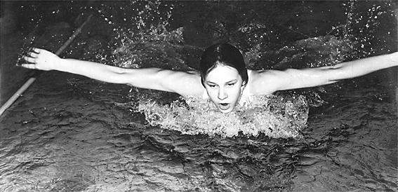 Seniorski debiut 13 letniej pływaczki - Julita Gębka
